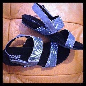 431b899d440 Toms Shoes - 🌿TOMS Tierra Suede Sandal SIZE 6